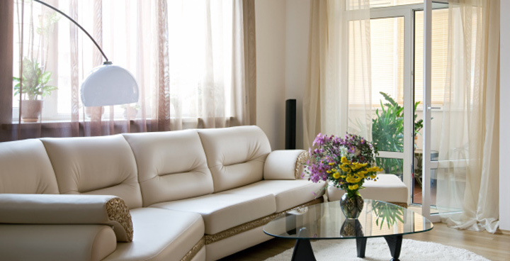 Living room cleaning toronto furniture upholstery cleaning for Cleaning living room furniture